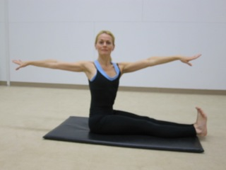 Pilates Exercise of the Month: Spine Twist (November 2013)